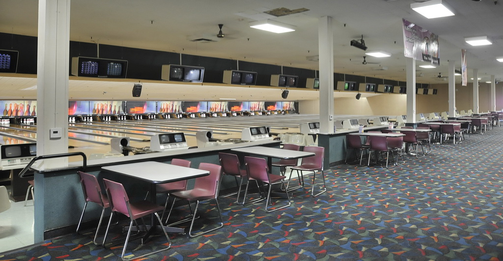 Bowlmor AMF in Houston, TX