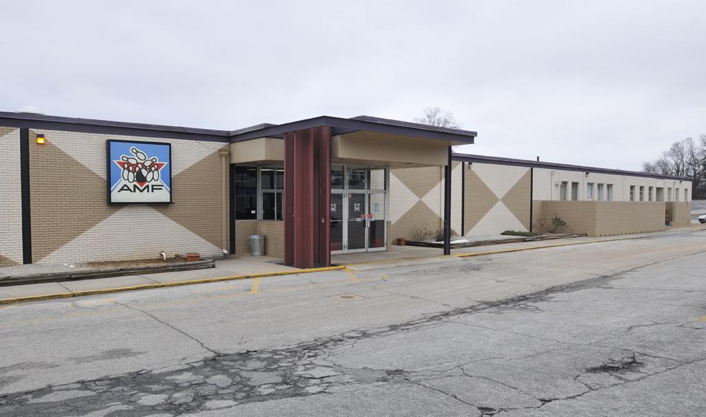 Bowlero Corp in Greenville, SC