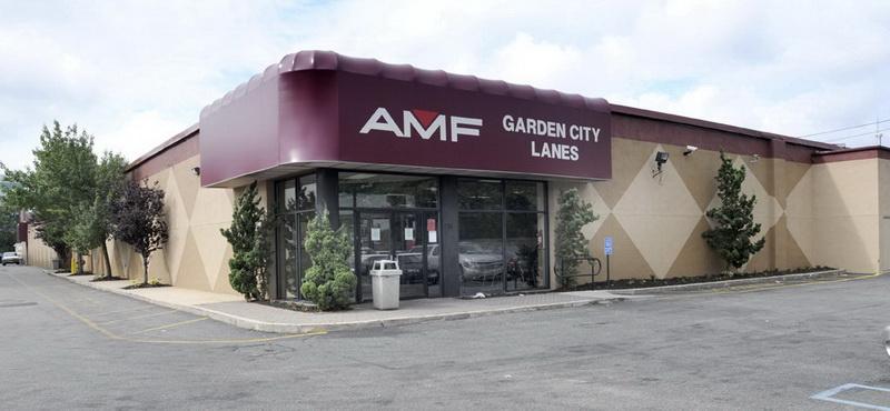 Bowlmor AMF in Garden City, NY