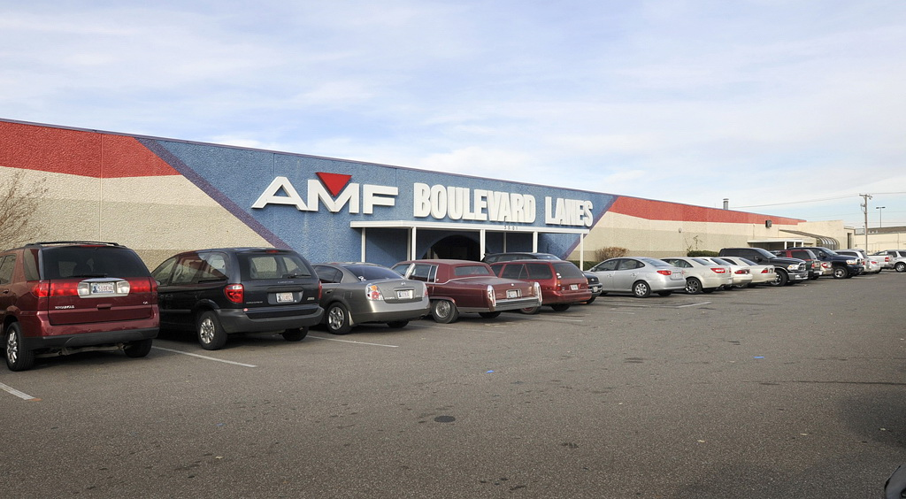 Bowlmor AMF in Edmond, OK