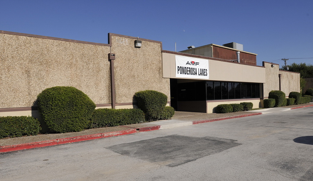 Bowlmor AMF in San Antonio, TX