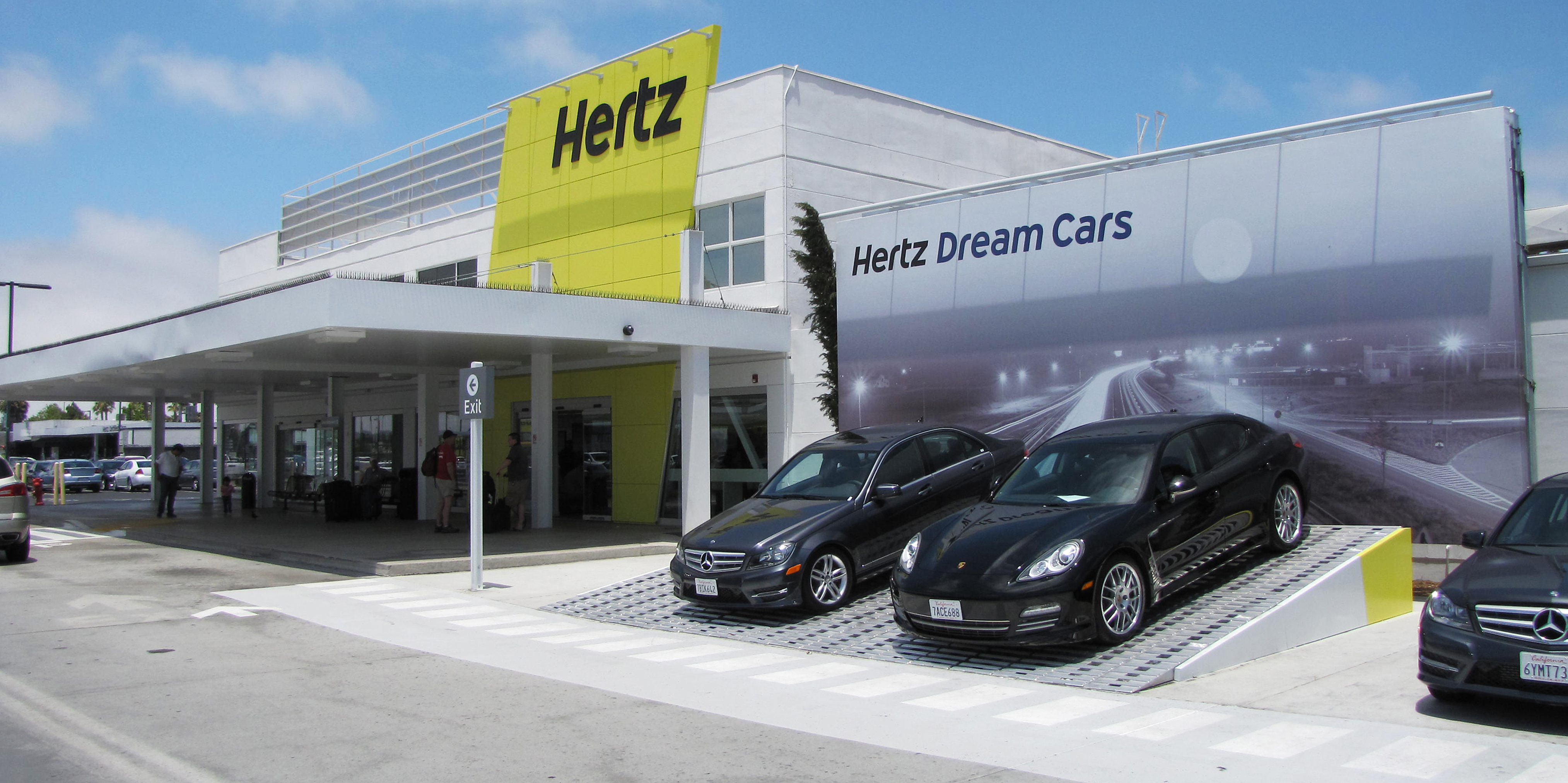 Hertz Rent A Car At The San Francisco Airport